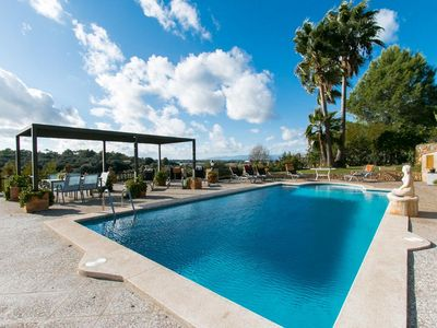 Lovely holidayhome for 7 persons (possibility of +3 persons) in Sineu