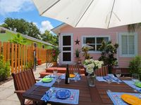 50% off LAST MINUTE SALE!  Charming Cottage!   Walk to Harbor & Town.