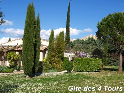 INDEPENDENT VILLA IN THE COUNTRYSIDE OF 4 TO 6 PEOPLE WITH POOL AND AIR CONDITIONING
