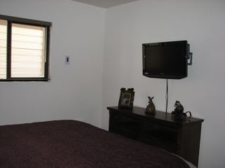 Mammoth Lakes condo photo - King room, other direction. 32 in Flatscreen with DVD