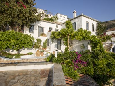 Charming salt-white house, stunning sea and sunset views. 30 meters from the sea
