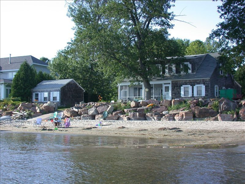 Rare lake champlain beachside house for rent vrbo for Lake champlain cabins and cottages