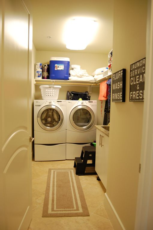High-end laundry room w/HE W&D, soaking sink, and beach equipment for your use.