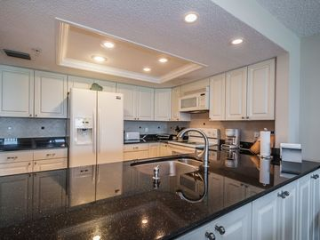 Granite Full Kitchen - Fully furnished with all kitchen amenities