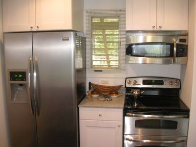 Glen Arbor condo rental - New stainless steel appliances