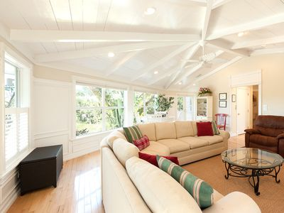 Sanibel Island house rental - Bright Large Living Area with comfortable seating