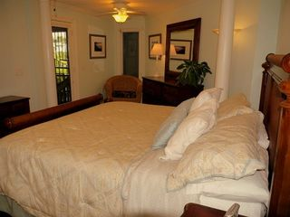 Kiawah Island villa photo - Blue bedroom. King bed, and bath has a shower/tub. Direct access to the beach.
