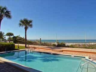 Indian Rocks Beach condo photo - The swimming pool overlooking the gulf