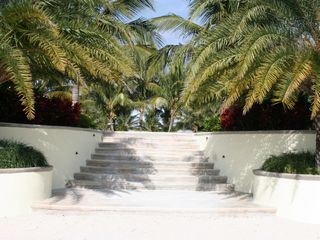 Treasure Cay house photo - Front steps