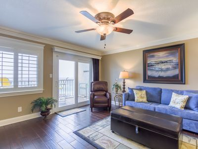 Gorgeous brand-new 2016 1 BR condo - Steps away from the beach!