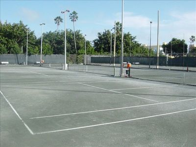 South Beach condo rental - You can play Tennis right across the street at the Flamingo park