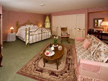 Luxurious and Airy English Rose Suite!
