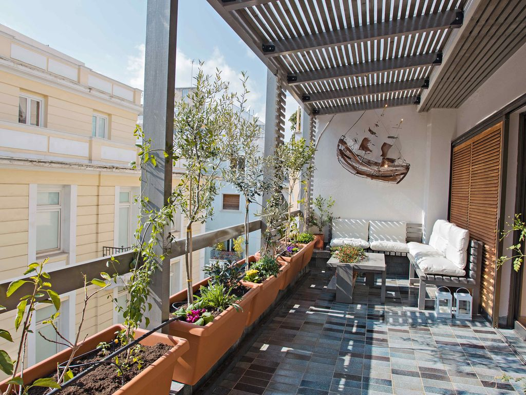 Luxury apartment in kolonaki design homeaway attica for The balcony apartments