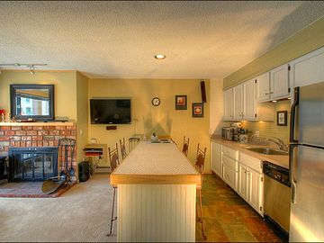 Full Kitchen with Breakfast Bar Seating