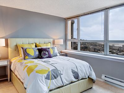 Master Bedroom - Enjoy the fabulous view from bed!