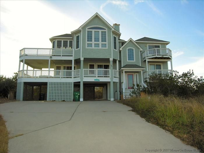 OCEANSIDE:  ONLY 600 feet from beach!  Pet Friendly!  Hot Tub!