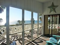 180 degree view of the Gulf!