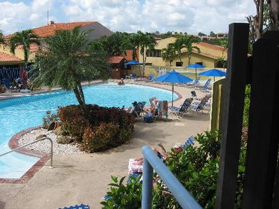 Pool is right next door to unit, sandy beach is 5 minute walk.