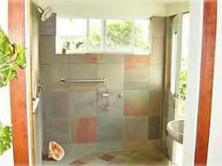 Kailua studio photo - Bathroom and shower with custom stonework