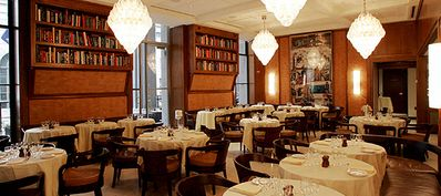 Beautiful Cipriani Restuarant in the building (Room Service available)