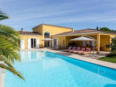 5 bedroom villa for 14 people with movie theatre and pool in Mougins