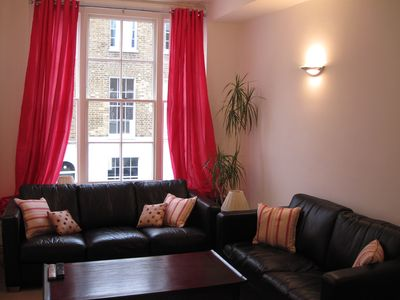 Marylebone apartment rental - Sitting room with two comfy sofas