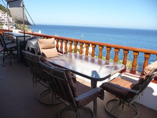 Catalina Island condo photo - Balcony with Bar, Gas Grill and Dining Table