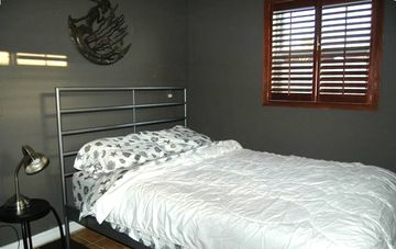 Bedroom With Pillowtop Full Size Bed