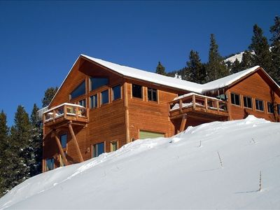 Quandary Peak Lodge enjoys a breathtaking view of the mountains
