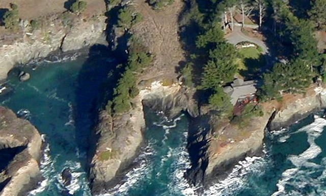 Oceanfront Private Get-a-Way -- 2 Mi. N. of Mendocino Village