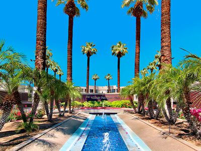 Palm Springs townhome rental - Entrance to Village Racquet Club