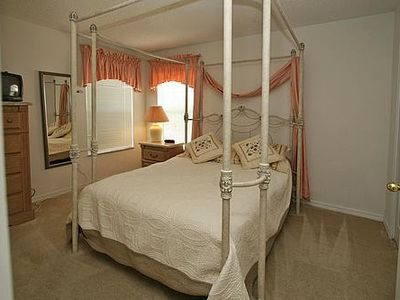 Double Bedroom (canopied)