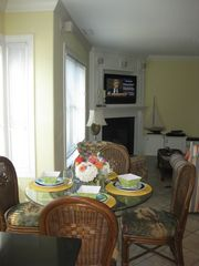 Belmont Towers Ocean City townhome photo - Great room w/ dining and living areas