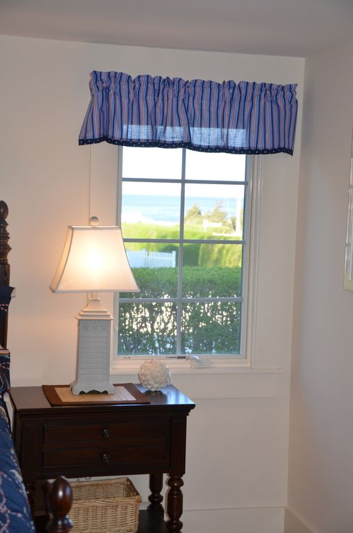 Great Waterviews from Master Bedroom Windows
