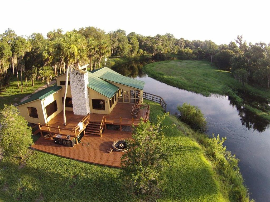 700 Acre Ranch On Florida's Historic Peace...