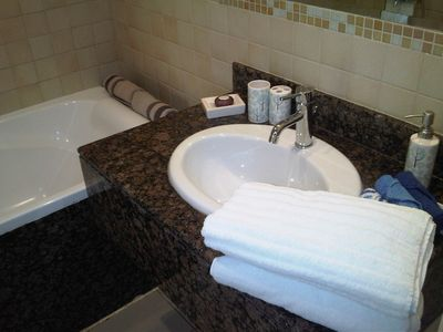 Jumeira Beach apartment rental - BATHROOM RIMMAL