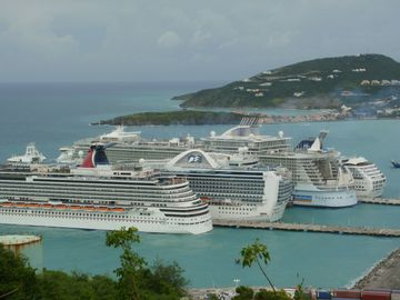 Enjoy the view of the biggest cruise ships in the world visiting Phillipsburg