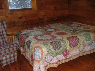 Pittsburg cabin photo - Queen Bed