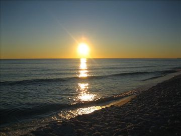 Mainsail Resort condo rental - Mainsail Beach Sunset