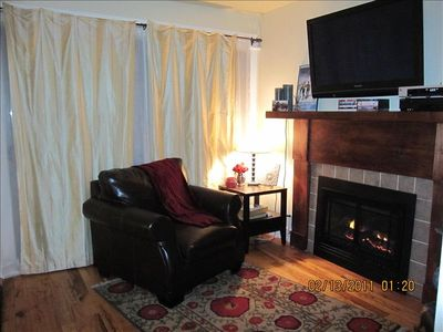 Flat Screen HDTV and Gas Fireplace