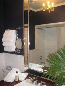 BATHROOM, LUXURY WHITE SPA TOWELS, TOWEL WARMER, MAGNIFYING MIRROR