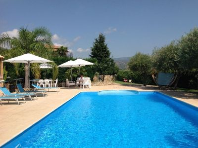 Hilltop Villa with Pool, large garden, and views of Etna Volcano and Sicily