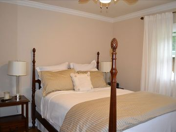 Queen bedroom with luxury linens and pillow-top mattress