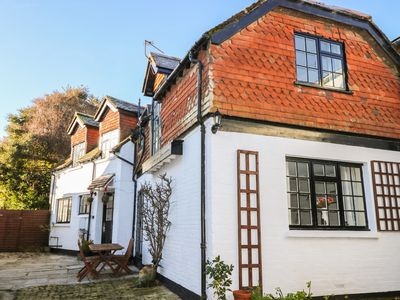 THE COACH HOUSE, pet friendly in Newport, Isle Of Wight, Ref 962983