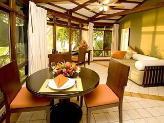 Manuel Antonio bungalow photo - Dining Area