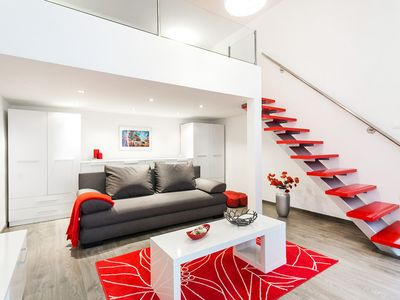 ***Red&White,TWO in ONE stylish flat by the Basilic in the city center***