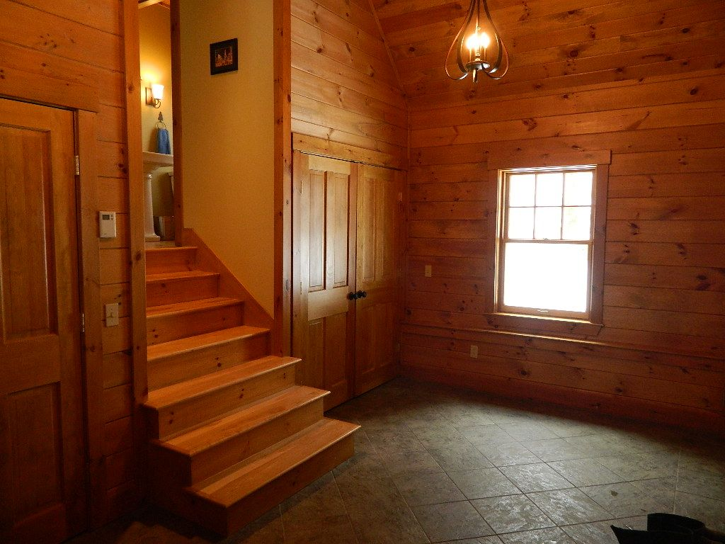 Dream house game room - Property Image 3 Stowe Dream House With Hot Tub Wood Fireplace Game Room