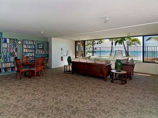 Kahala condo photo - Beach Side Library