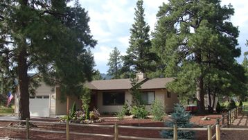 Grand Canyon Village house rental - Welcome to Ponderosa Playce!