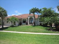 Strawberry Delight - Private Waterfront Home, Tremendous Value